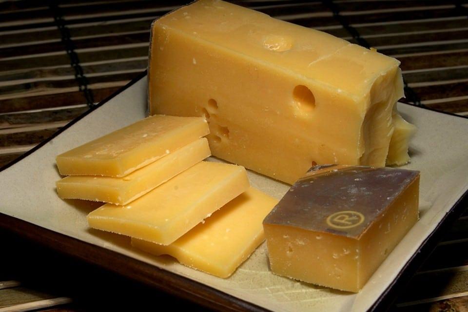 Голландский сыр Гауда созревает больше года