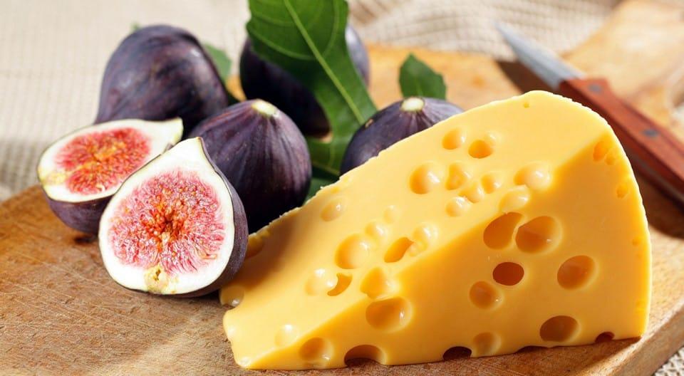 голландский сыр Маасдам