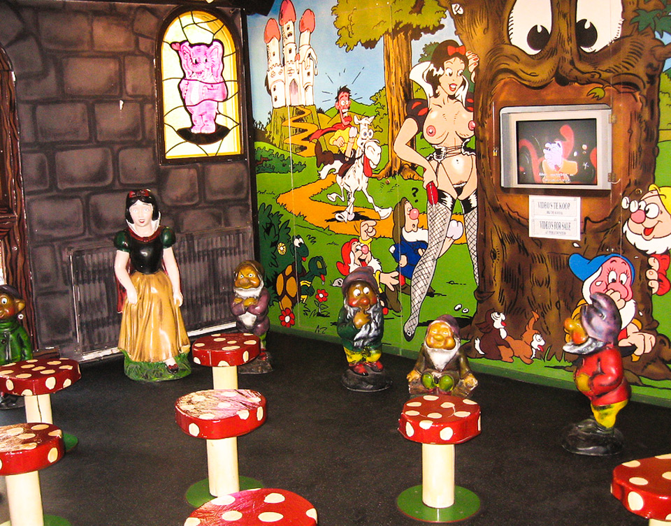 Scene from Snow White surrounded by gnomes - Erotic Museum in Amsterdam