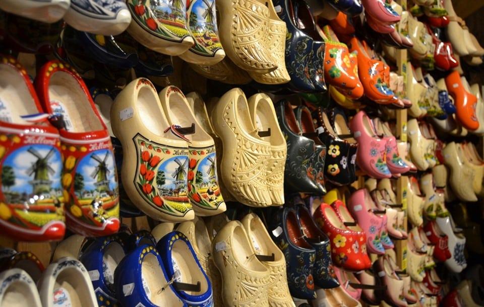 деревянные туфли