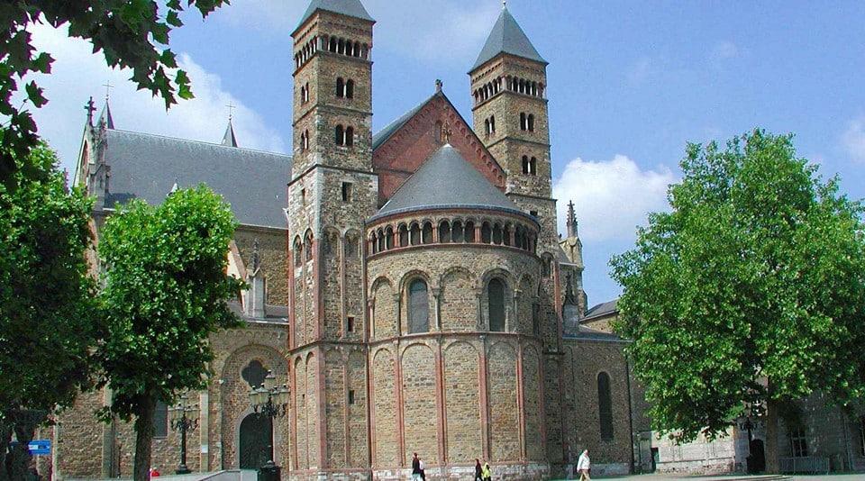 Базилика св. Сервантия