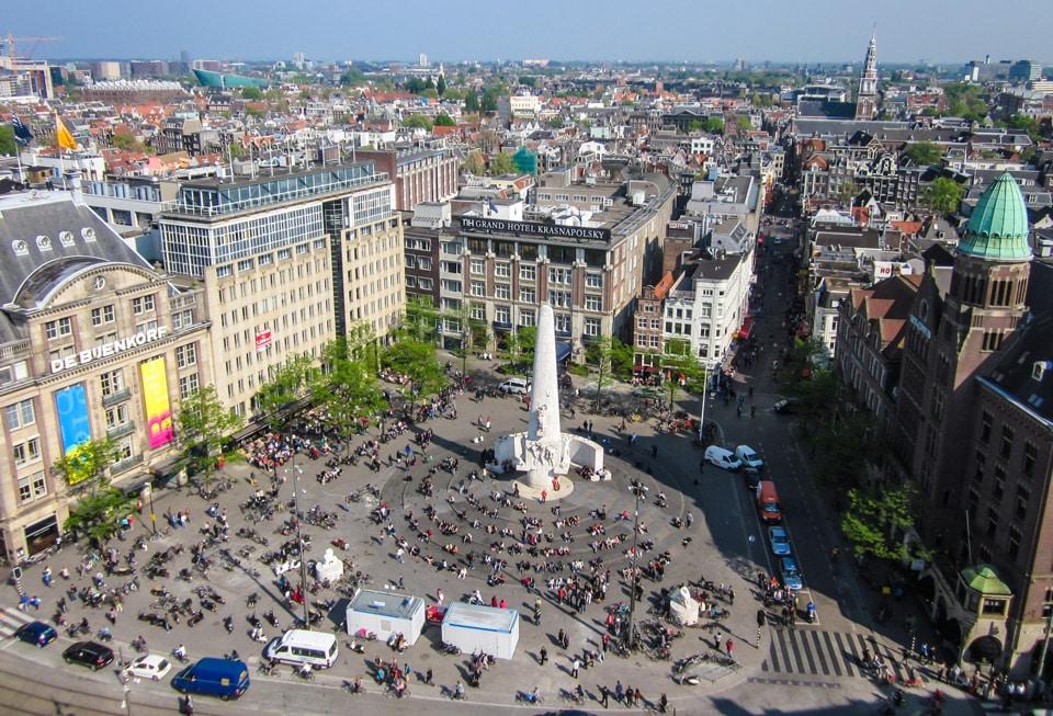Вид на площадь Дам в Амстердаме